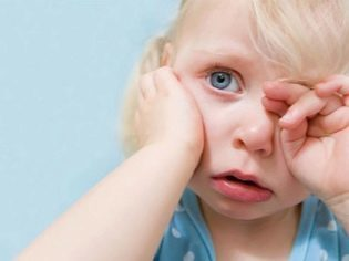 Воспаление века глаза: как его лечить? Лечение верхнего и нижнего века у ребенка